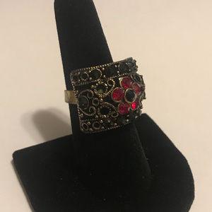 RED & BLACK RHINESTONE FILIGREE RING
